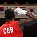 El boxeador cubano La Cruz da que hablar por lo que grita tras su polémica victoria ante el español