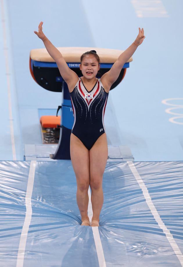 대한민국 체조 여서정이 1일 오후 일본 도쿄 아리아케 체조경기장에서 열린 '2020 도쿄올림픽' 여자 도마 결승에서 연기를 펼치고