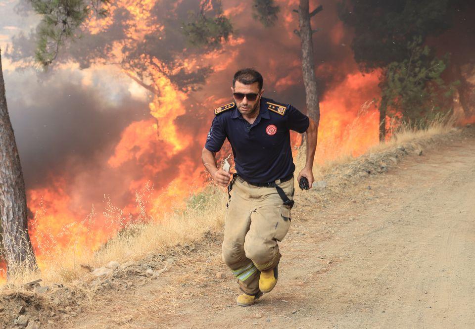 Όπου πράσινο, στάχτη- Πέμπτη ημέρα καίγονται οι πιο όμορφες περιοχές της