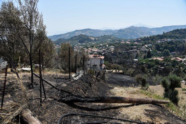 Eικόνες από τις καταστροφές της πυρκαγιάς