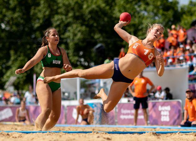La joueuse de beach handball néerlandaise Nyah Metz le 13 octobre
