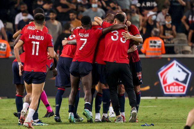 Les joueurs de Lille célèbrent leur victoire face au PSG lors du Trophée des champions disputé à Tel-Aviv, en Israël, le 1er août 2021.