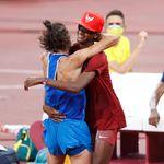「金メダル2つくれないか?」走り高跳び選手は金メダルを分け合った