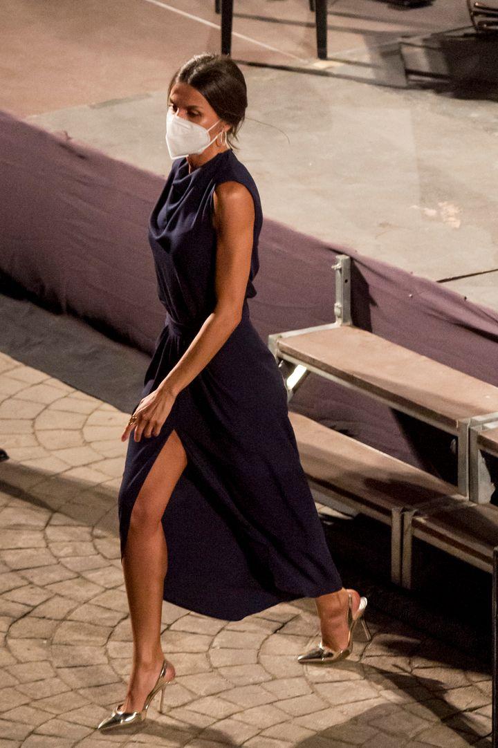 La reina Letizia bajando del escenario del Atlántida Mallorca Film Fest 2021.