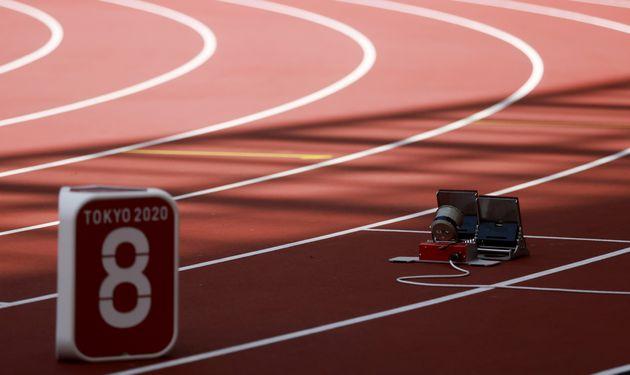 女子200メートル予選。クリスツィナ・ツィマノウスカヤ選手が走る予定だった8レーンは、走者不在となった。