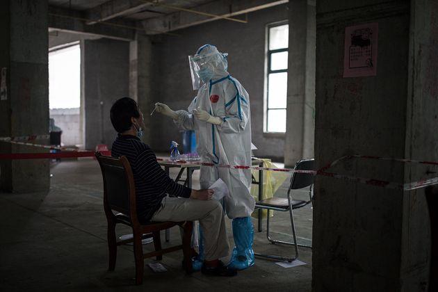 Covid, a Wuhan tornano i contagi e la città testa tutti i suoi 11 milioni di abitanti