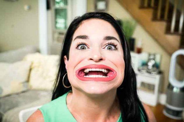 Η γυναίκα με το μεγαλύτερο στόμα στον