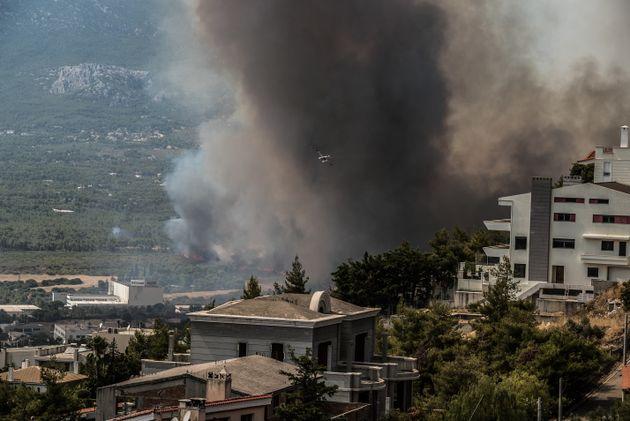 Πυρκαγιά στην Άνω Βαρυμπόμπη του δήμου Αχαρνών, την Τρίτη 3 Αυγούστου 2021. Η φωτιά ξέσπασε ανατολικά...