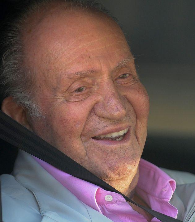 Juan Carlos I, en agosto de 2019, saliendo de un hospital en Pozuelo de