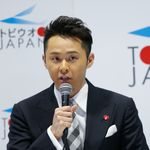 北島康介さんのスケボー中継のファッションに衝撃走る。「まるでハワイ」「これぞゴン攻め」の声【東京オリンピック】