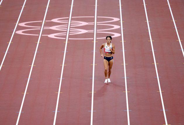 Johnson-Thompson completes the 200m segment of the women's heptathlon