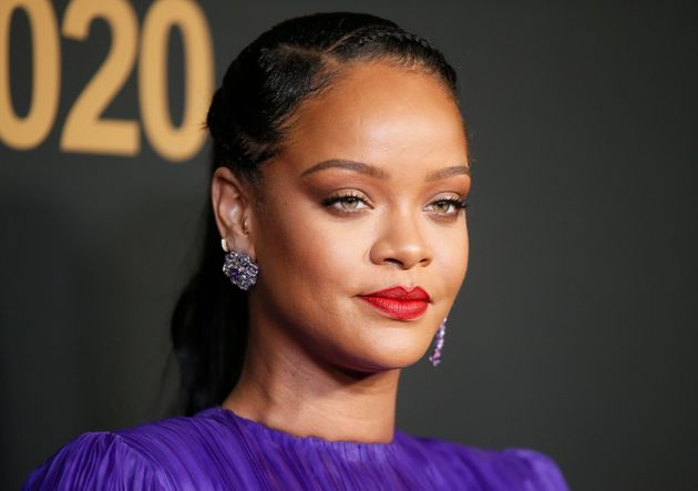 Rihanna lors d'une cérémonie de remise de prix à Pasadena le 22 février