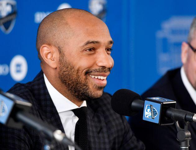 Thierry Henry lors d'une conférence de presse à Montréal, le 18 novembre