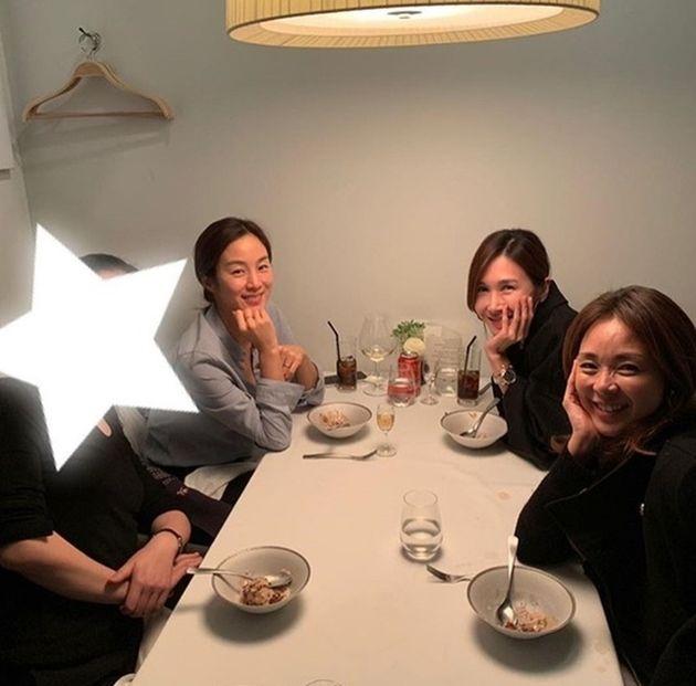 KBS 2TV '슈퍼맨이 돌아왔다' 엄마들이 2019년 모여서 찍은 사진. 왼쪽부터 문정원, 윤혜진,