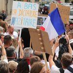 Macron répond à ceux qui l'accusent de faire de la France une