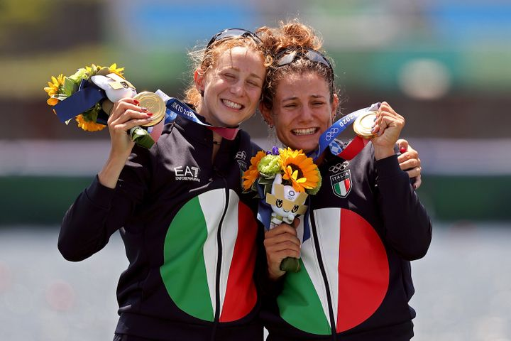 Italian gold medalists Valentina Rodini and Federica Cesarini with the bouquets following their victory in the women's lightw