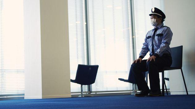 「警備員の働き方改革」プロジェクトの様子。座哨を取り入れた方が警備のパフォーマンスが高まるという仮説の下、筑波大学名誉教授の田中喜代次先生と共同で実証実験をおこなった。