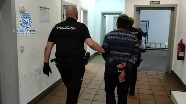 Uno de los detenidos como presuntos autores de la violación grupal de