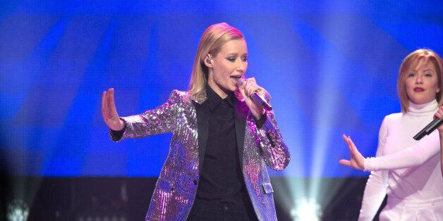 LOS ANGELES, CA - DECEMBER 31:  Singers Iggy Azalea performs at Dick Clark's New Year's Rockin' Eve With Ryan Seacrest 2015 a
