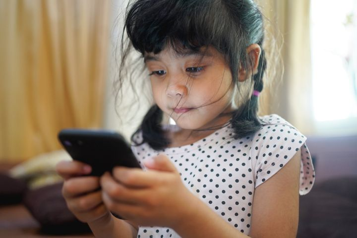 Screen time has soared during the pandemic. Here's how parents can start to reinstate limits.