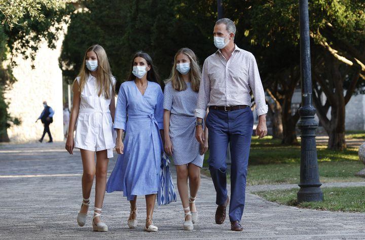 Felipe, Letizia, la princesa de Asturias y la infanta Sofía visitando el Centro de Interpretación de la Sierra de Tramuntana.