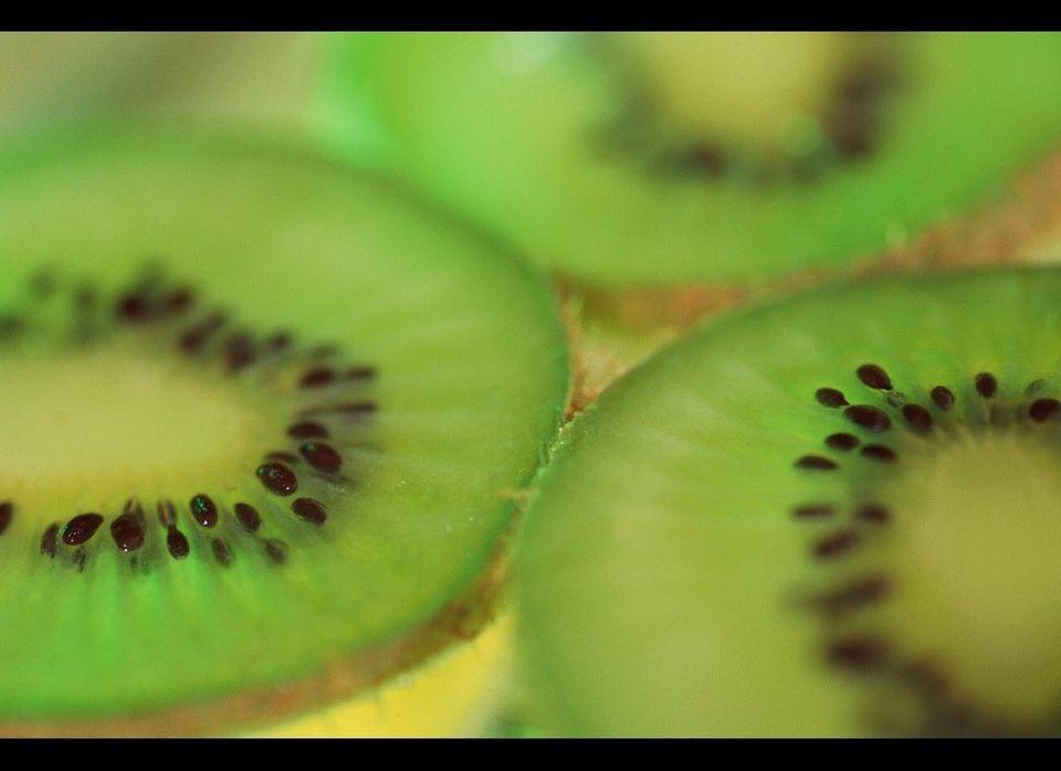 <font>Por Yined Ramírez-Hendrix</font><br><strong>Poderes adelgazantes.</strong> Un kiwi grande contiene 84 miligramos de vit