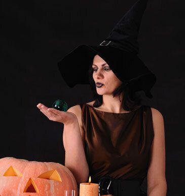 Por <em>Diana, la astróloga</em>  Las brujas de la antigüedad estaban muy lejos de ser consideradas seres maléficos. En el pr