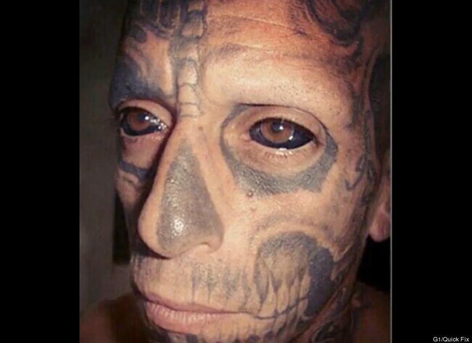 """Luego de que Rodrigo Fernando dos Santos cubriera 70 por ciento de su cuerpo con tatuajes, <a href=""""http://voces.huffingtonpo"""