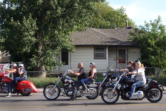Des motards assistant au 81e rallye annuel de Sturgis, dans le Dakota du Sud, le 10 août