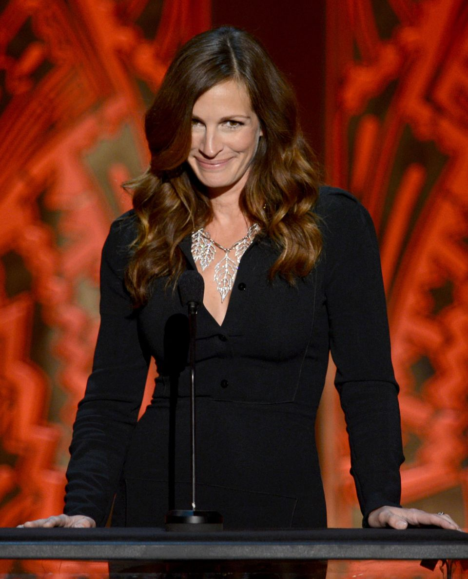 """<a href=""""http://www.forbes.com/pictures/mfl45eggmj/julia-roberts-6/"""" target=""""_blank"""">$11 millones</a>"""