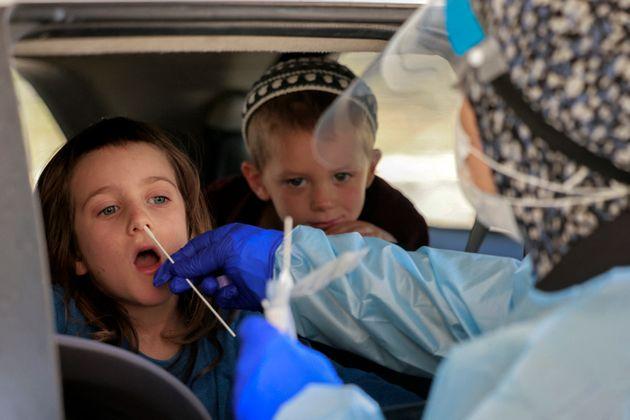 Le pass sanitaire en Israël imposé dès 3 ans face à la montée du variant...