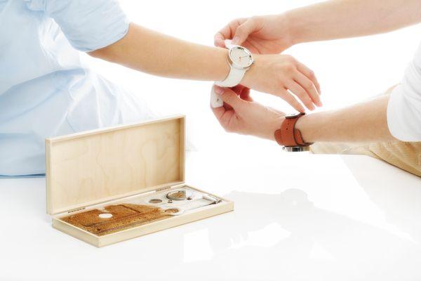 Virgo adora los regalos de utilidad práctica: un reloj, o instrumento de precisión. Libros sobre naturismo, o higiene, así co