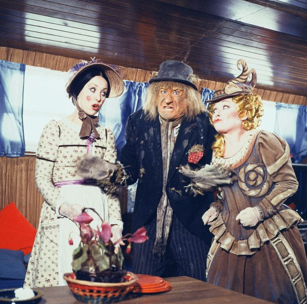 Una Stubbs (L) as Aunt Sally with Jon Pertwee as Worzel and Barbara Windsor as Saucy Nancy seen here...