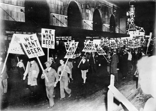 En la década de 1920, cuando la Prohibición ilegalizó la venta del alcohol en los Estados Unidos, el tequila se popularizó en