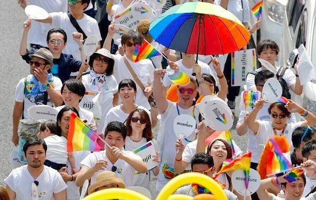 福嶋さんがアクセンチュア社員として初めて参加した、2018年東京レインボープライドでの、パレードの様子。