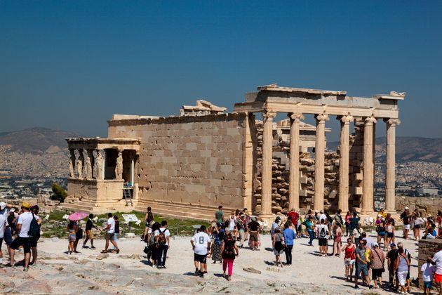 Financial Times: Η Ελλάδα νικήτρια στην ανάκαμψη του τουρισμού στην