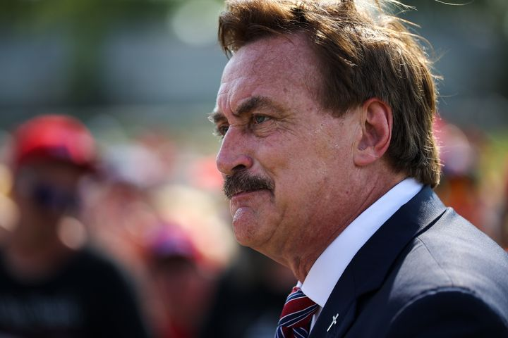Mike Lindell described very weird encounter at a Sioux Falls hotel during his odd Cyber Symposium.
