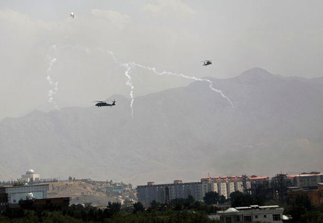 Αφγανιστάν: Φυγαδεύτηκε ο πρόεδρος Γάνι, στο έλεος των Ταλιμπάν η