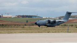 Aterriza en Rota el primer vuelo estadounidense con 400 afganos