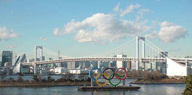Il simbolo dei Giochi Olimpici a Tokyo