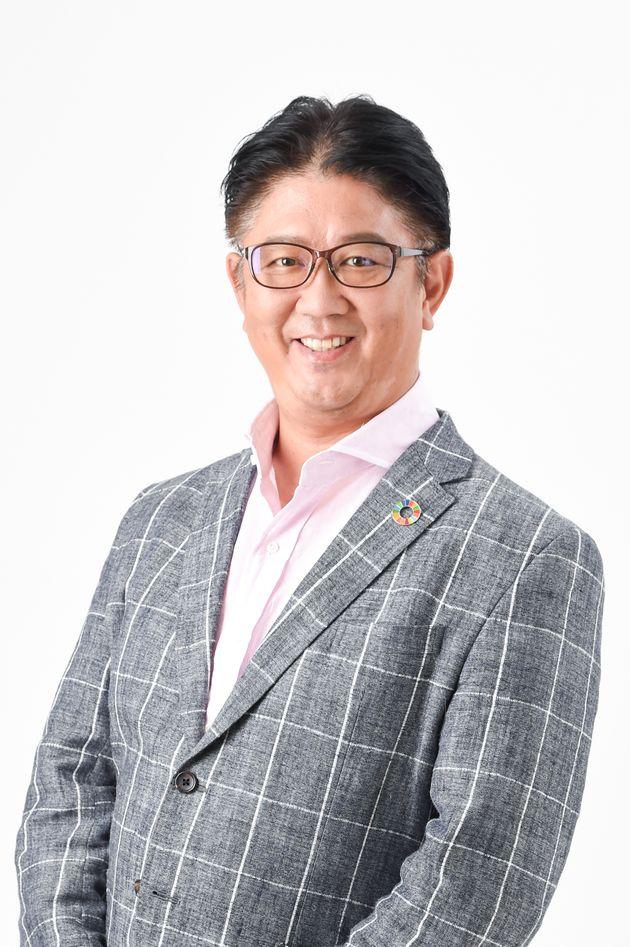 江端浩人氏:伊藤忠商事の宇宙・情報部門、ITベンチャーの創業を経て、日本コカ・コーラでiマーケティングバイスプレジデント、日本マイクロソフト業務執行役員セントラルマーケティング本部長、アイ・エム・ジェイ執行役員CMO、ディー・エヌ・エー(DeNA)執行役員メディア統括部長、MERY副社長などを歴任。現在はエバーパークLLC、江端浩人事務所代表として各種企業のデジタルトランスフォーメーションやCDOシェアリング、次世代デジタル人材の育成に尽力している。2020年開学のiU情報経営イノベーション専門職大学教授にも就任した。まさにパラレルキャリアの実践者である。