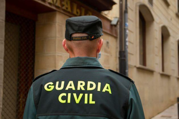 Un agente de la Guardia