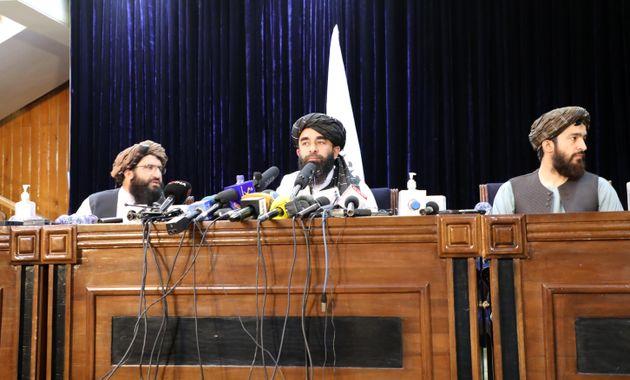 Les talibans annoncent la fin de la guerre en Afghanistan et