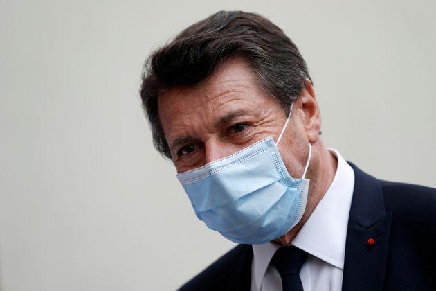 Christian Estrosi, lors de la visite d'une maison de retraite à Nice, le 4 mars