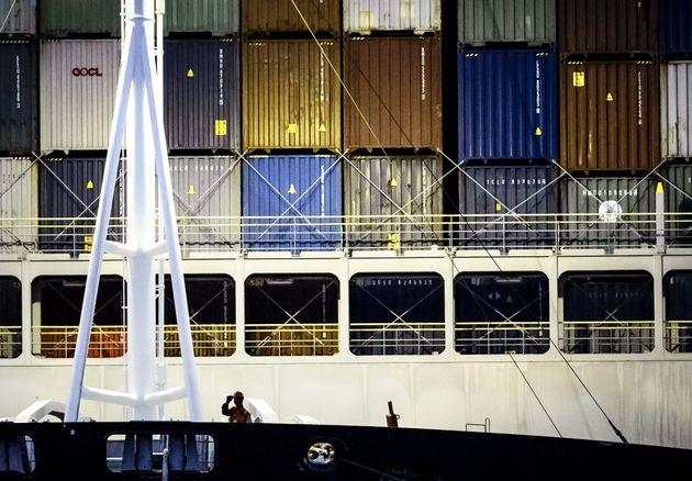 L'Ever Given, bloccata nel canale di Suez per circa una settimana