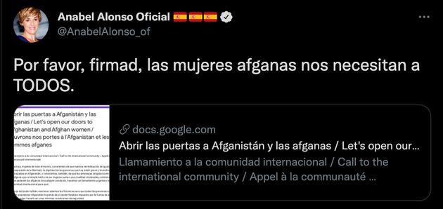El tuit de Anabel Alonso apoyando una recogida de firmas para acoger a las mujeres