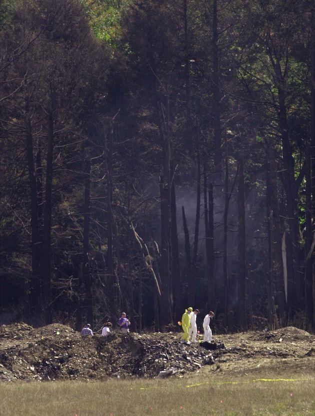 ユナイテッド航空93便の墜落現場。44人の乗客乗員は全員死亡した(ペンシルベニア州、2001年9月12日)