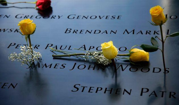 世界貿易センタービルの跡地にできた石碑には、犠牲者の名前が刻まれている(2020年9月11日)