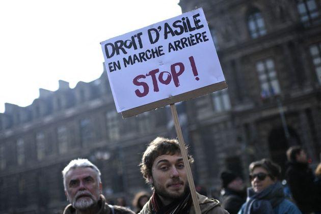 Une manifestation devant l'Ofpra, le 21 février