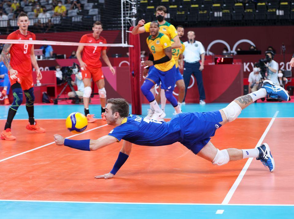 2020 올림픽 남자 배구 준결승에서 만난 브라질과 러시아 올림픽 위원회